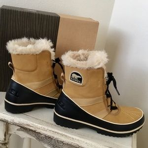 3f080ae298 Sorel Shoes   Rivaling 2 Waterproof Winter Show Boots   Poshmark